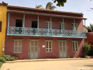 Maison rose verte Gorée