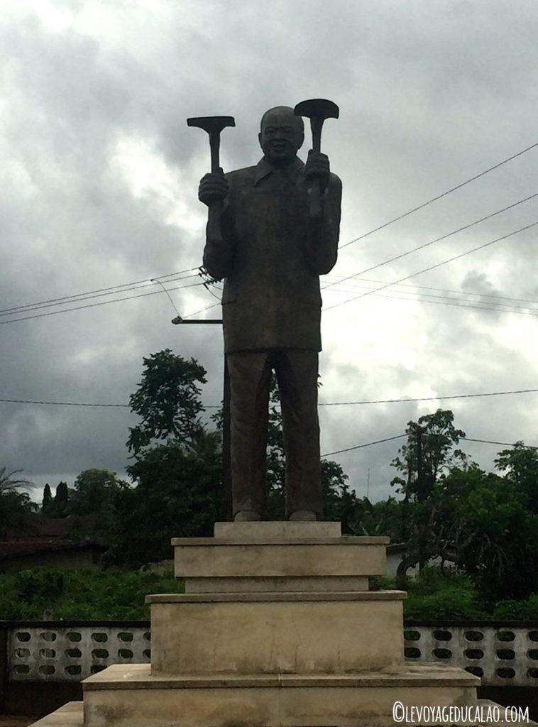 Statue Houphouët Grand-Lahou