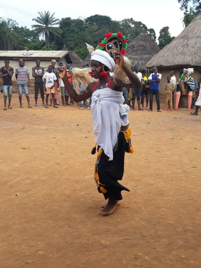 Man Bouni danseuse